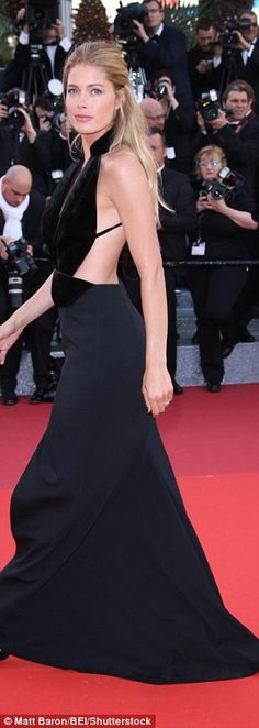 Cannes Film Festival's premiere of Cafe Society red carpet sees Naomi Watts stun   Daily Mail Online