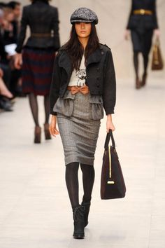 "Burberry Prorsum Fall 2012 Runway - Ready-To-Wear Collection  "" outfit is so cute"""