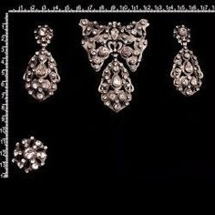 Aderezo 234, cristal, plata óxido. Diamond Earrings, Jewelry, Fashion, Ancient Jewelry, Hair Combs, Dressings, Earrings, Silver, Crystals