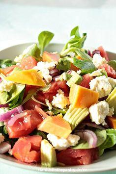 Fruchtig herzhafter Papaya Salat. Lecker, gesund und schnell gemacht!