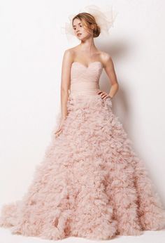 Luxourious Light Pink Wedding Dress - too cool! Think i am too short for this, but love it anyway!