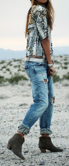 Ripped Jeans & Sparkle Top ♡ Dam! I wish I would of kept those Vera Wang boyfriend jeans and not taken them back because they were big....