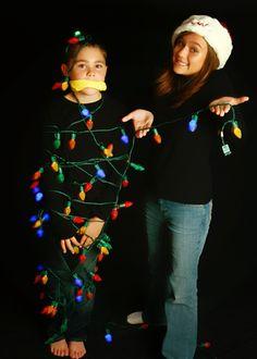 http://abundantmoments.com/  christmas photo  brother and sister  christmas lights