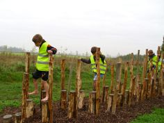 Walking logs at an adventure park Outdoor Activities For Kids, Outdoor Learning, Outdoor Games, Outdoor Fun, Natural Play Spaces, Outdoor Play Spaces, Playground Games, Natural Playground, Outdoor Classroom