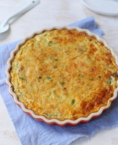 Weet je nog niet wat je vanavond gaat eten? Probeer eens deze heerlijke aardappeltaart met prei en paprika. Bekijk de video om te zien hoe Sofie 'm maakt.