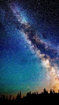 Pin de xxnowyouseemexx em landscapes night sky stars, night skies e galaxy wallpaper Night Sky Wallpaper, Star Wallpaper, Galaxy Wallpaper, Nature Wallpaper, Mobile Wallpaper, World Wallpaper, Wallpaper Space, Wallpaper Ideas, Night Sky Stars