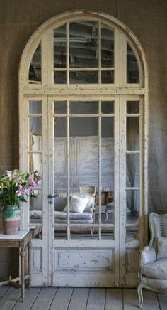 mirror behind repurposed old door with windows Old Doors, Windows And Doors, Entry Doors, Arched Doors, Arched Windows, Patio Doors, Entrance, Shabby Chic Zimmer, Decoration Shabby