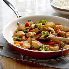 Honey Chicken Stir-Fry Easy Chicken Stir Fry, Ways To Cook Chicken, Chicken Recipes, Recipe Chicken, Chicken Meals, Boneless Chicken, Kung Pao Chicken, Frozen Vegetable Recipes, Frozen Vegetables
