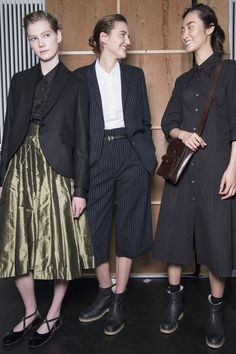 In a fashion industry in turmoil, Margaret Howell is reassuringly always herself, and that's why we love her. ​Keeping to the brand's iconic DNA, Margaret Howell's fall/winter 16 collection was a lesson in smart tailoring and classic tomboy chic. Think du