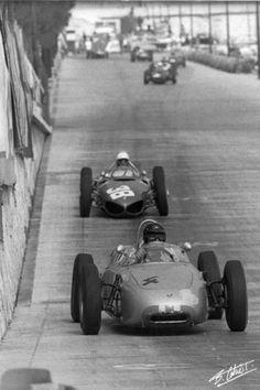 #4 Dan Gurney / Porsche 718 followed by #38 Phil  Hill / Ferrari 156, F1 1961 Monaco.