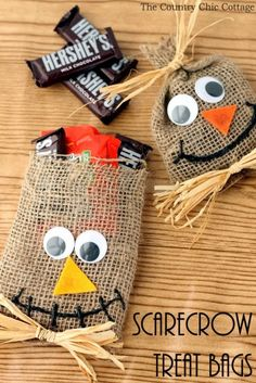 You're about to win major points with the kiddos, whether you give these Scarecrow Halloween Treat Bags out to trick-or-treaters or use them as party favors.