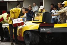 hans-laine-and-gijs-van-lennep-become-fifth-placed-with-the-porsche-picture-id156038444 (1024×685)
