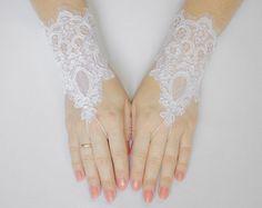 FREE SHIPPING White Fingerless Lace Wedding Gloves, Bridal Wedding Gloves $20