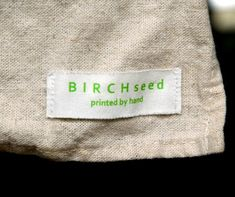B I R C H s e e d -- printed by hand: tutorial - how to make home made cloth labels for clothes and products Make Your Own Labels, Make Your Own Clothes, Quilt Labels, Fabric Labels, Sewing Hacks, Sewing Projects, Sewing Ideas, Sewing Tips, Sewing Tutorials