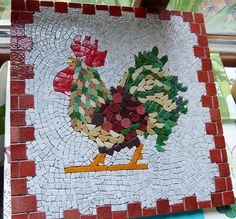 Rooster - Model by Theresa Mills cm. Before grouting. Mosaic Animals, Mosaic Birds, Mosaic Wall Art, Mosaic Diy, Mosaic Garden, Mosaic Crafts, Mosaic Projects, Tile Art, Mosaic Glass