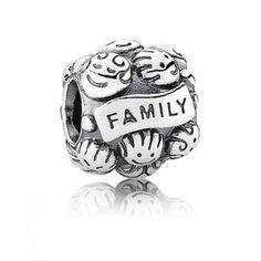 Charm Pandora Family - Si votre famille est la chose la plus important à vos yeux, alors ce bijou Pandora est fait pour vous !