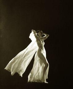 Photo by Edward Steichen 1931 Edward Steichen, Straight Photography, Art Photography, Fashion Photography, Moma, Vintage Photographs, Vintage Photos, Les Suffragettes, Matt Hardy