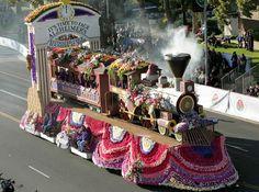 Desfile de las Rosas - voluntario para decorar carrozas en el desfile Rose