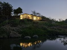 Gallery of The Riparian House / Architecture BRIO - 6