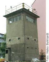 Wachturm Berliner Mauer Kieler Strasse
