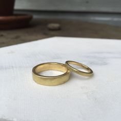 Make your own Wedding / Commitment rings with established jewellery designer Vicky Davies in her beautiful garden studio in Hackney. Commitment Rings, Beautiful Gardens, Make Your Own, Wedding Bands, Wax, Jewelry Design, Silver Rings, Engagement Rings, Yellow