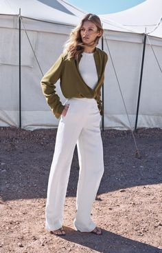 Massimo Dutti embraces relaxed silhouettes for spring 2017