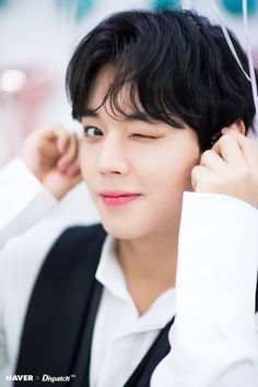 """Click for full resolution. 190528 NAVER x DISPATCH Update with Park Jihoon for """"Birthday fan meeting 'May I love you?' Backstage"""" ( Taken May 26 )"""