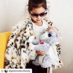 MISS GRANT FW 2017/18 Miss Grant, Girls 4, Fur Coat, Jackets, Fashion, Down Jackets, Moda, Fashion Styles, Fashion Illustrations