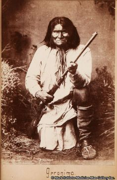 "Chiricahua Apache Indian Geronimo Cabinet Card Original Photograph circa 1880 6.5 "" x 4.25 "" M1384 $7,800"