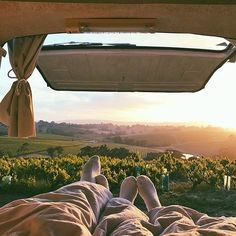 @koleha A couple of glasses of wine with the one you love, then waking up to this. Sounds like heaven. #vanlifediaries take us with you. by @youandiandthesky