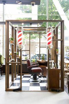 pop up barbershop Barber Shop Interior, Barber Shop Decor, Retail Interior, Barber Store, Mobile Barber, Barbershop Design, Barbershop Ideas, Barbers Cut, Barber Supplies