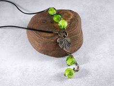 Lederketten - Grüner Wein Lederkette mit Glasperlen - ein Designerstück von…