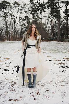 Hunter boots under a wedding dress instead of high heels?? CUTE!!!!!
