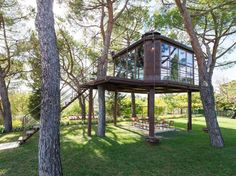 Airbnb in Florence, Italy. casaBARTHEL, a vacation/artist residency, immersed in the Tuscan landscape Airbnb Rentals, Vacation Rentals, House On Stilts, Glass Structure, Tree House Designs, In The Tree, Perfect Place, Beautiful Homes, Beautiful Images