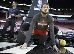 Marco Belinelli stretching before the game Chicago Bulls :)