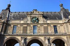 Guichets sud sur le quai des Tuileries