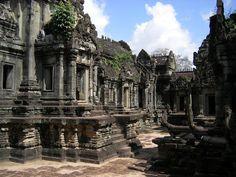 Banteay Samre  Date: Beginning of 12th century, Reign: Suryavarman II, Religion: Hindu (Shiva)