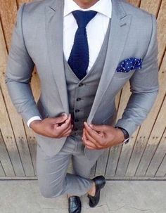 Most up-to-date free wedding blue men gray suits 47 ideas . - Most Up-To-Date Free Wedding Blue Men Gray Suits 47 Ideas Popular An easy way to check on is always - Light Grey Suits Wedding, Light Grey Suit Men, Men In Grey Suits, Mens Suits Style, Mens Fashion Suits, Wedding Men, Wedding Blue, Grey Tuxedo Wedding, Free Wedding