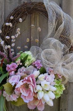 EXQUISITE SPRING OR SUMMERY DOOR WREATH Credit: Tidbits & Twine