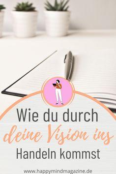 Eine Vision ist die Beschreibung deines Zukunftsweges, die du immer im Hinterkopf behältst und die dich motiviert, deine Ziele zu verfolgen. Sie ist die Verbildlichung deiner Träume und gibt die Richtung für deine weiteren Schritte an. Je klarer du deine Vision formulierst, desto realer und erreichbarer wirkt sie für sich. In deiner Vision bist du hundertprozentig du selbst und verwirklichst deine persönlichen Ziele und Vorstellungen. Erfahre, wie du durch deine Vision in Handeln kommst. Ayurveda, Love You, Yoga, Tableware, Self Discovery, Improve Self Confidence, Self Confidence, Finding Yourself, Personal Goals