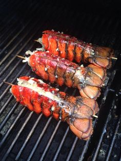 HOW TO GRILL LOBSTER TAILS: Step-By-Step Guide RECIPE link / http://snapguide.com/guides/grill-lobster-tails/