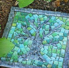 Garden step stones ideas from: themagazinea.com/garden-step-stones-ideas/
