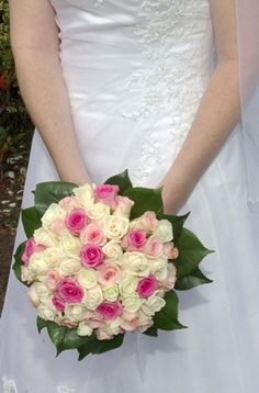 Round roses bouquet