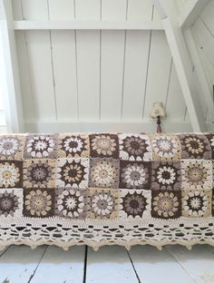 byHaafner, crochet, granny flower square, blanket, vintage with granny square instructions