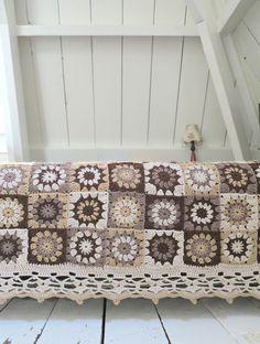 byHaafner, crochet, granny flower square, blanket, vintage