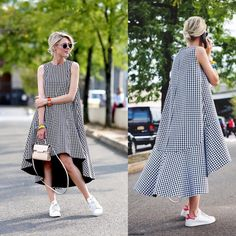 This look is everything! Stan Smiths, oversized houndstooth dress plus fab bag.c… This look is everything! Stan Smiths, oversized houndstooth dress plus fab bag. Look Fashion, Hijab Fashion, Fashion Dresses, Simple Dresses, Casual Dresses, Summer Dresses, Diy Outfits, Dress Outfits, Diy Kleidung