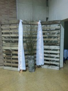 Rustic wedding; pallets, curly willow, birch bark wall
