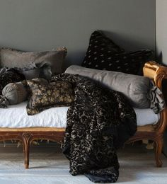 Bella Notte Colette Personal Comforter in Charcoal