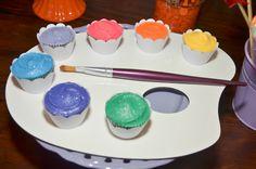 Cupcakes lindos para festa com tema Pintando o 7, decorada por Poesia em Festa. www.kikidsparty.com.br