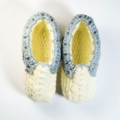 #Handmade #wool socks, cream and grey color. One pair# available. Single piece. Made with love :)